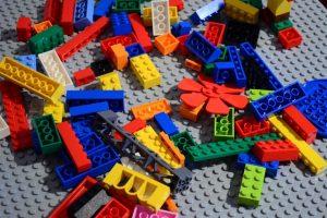 Конструктор как одна из важнейших игрушек ребенка: базис пространственного мышления