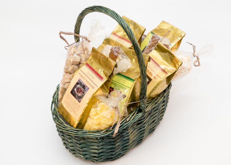 Подарки в корзинках с чаем 9